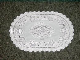 432 of White/silver Placemat