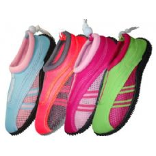 30 of Lady Aquasocks Size 6-11